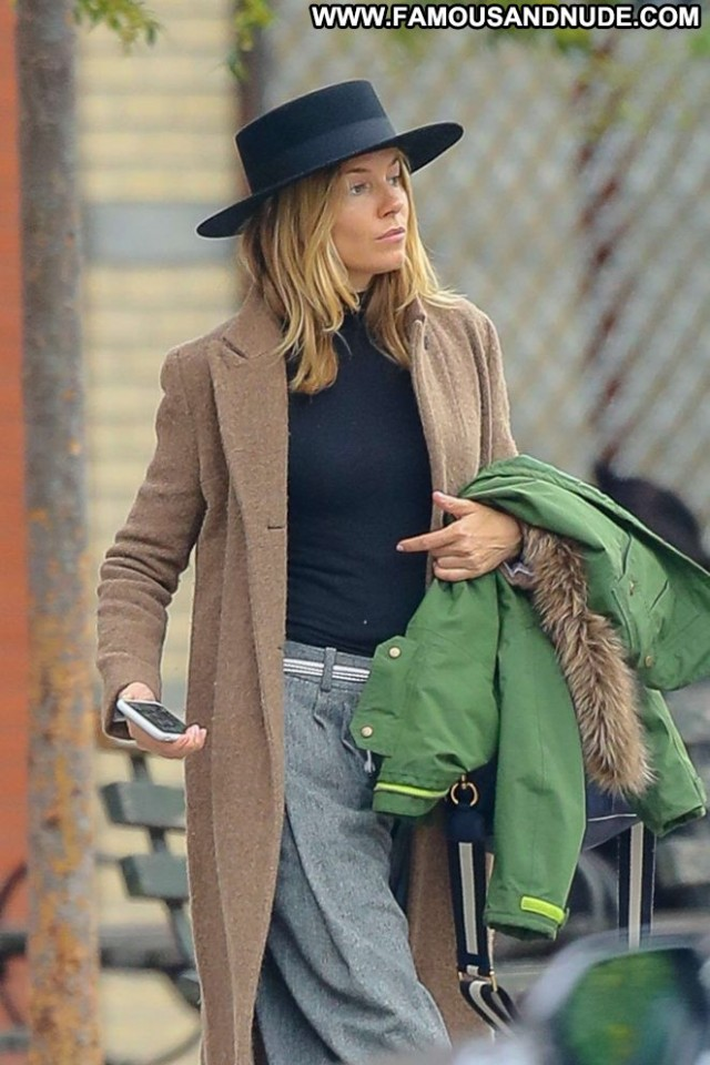 Sienna Miller New York Babe Beautiful New York Celebrity Posing Hot