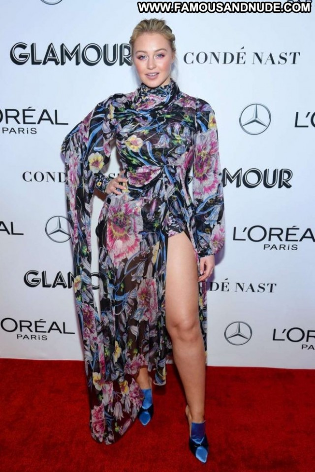 Iskra Lawrence Glamour Women Glamour Awards Nyc Posing Hot Beautiful