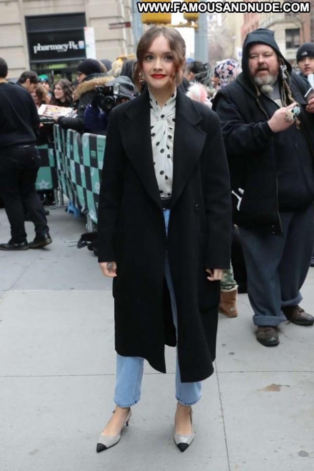 Olivia Cooke New York Posing Hot Babe New York Celebrity Beautiful