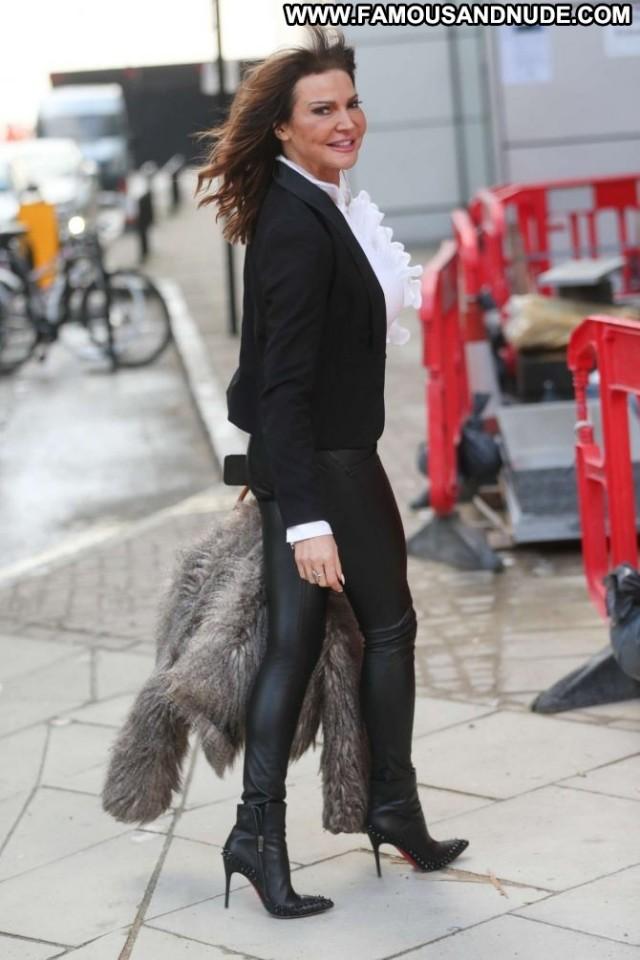 Lizzie Cundy Tv Show  London Posing Hot Babe Celebrity Paparazzi