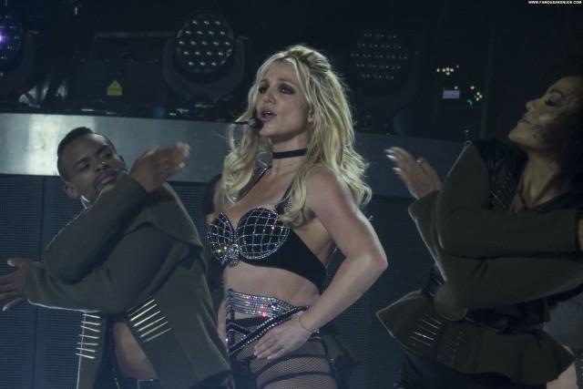 Britney Spears No Source Posing Hot American Videos Babe German Bus