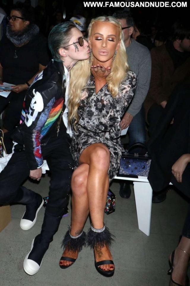 Gigi Gorgeous Fashion Show Gorgeous Celebrity New York Paparazzi
