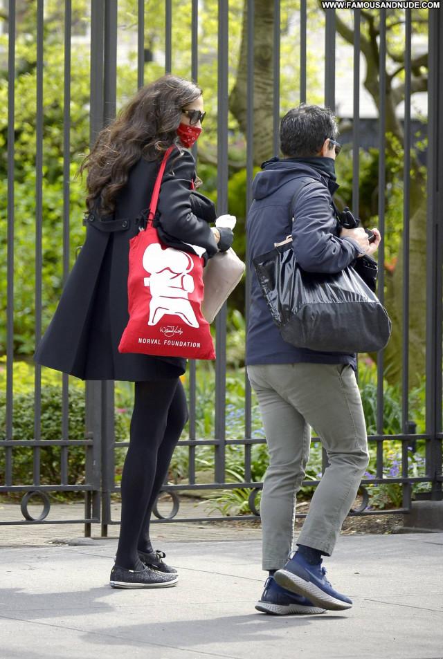 Famke Janssen New York Paparazzi Beautiful Babe Posing Hot Celebrity