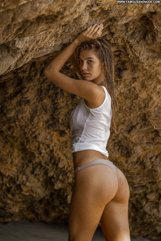 Camila Morrone No Source Celebrity Beautiful Babe Paparazzi Posing Hot