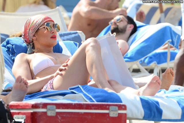 Jennifer Lopez The Beach Posing Hot Babe Bikini Paparazzi Beautiful