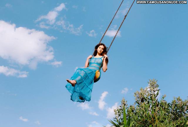 Hailee Steinfeld V Magazine Celebrity Posing Hot Beautiful Paparazzi