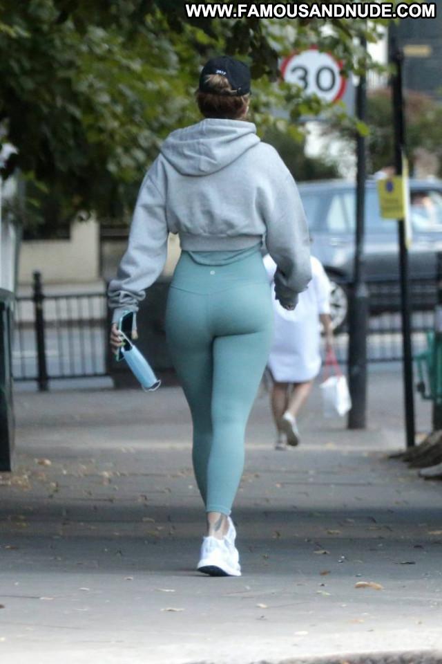 Sabrina Carpenter New York Celebrity Denim Posing Hot New York Babe