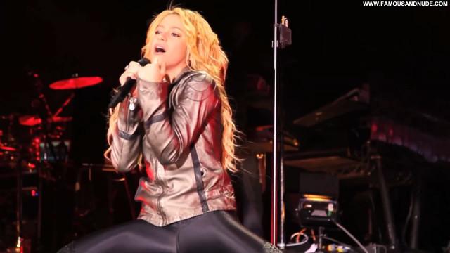 Shakira Grammy Awards Babe Posing Hot Beautiful Celebrity