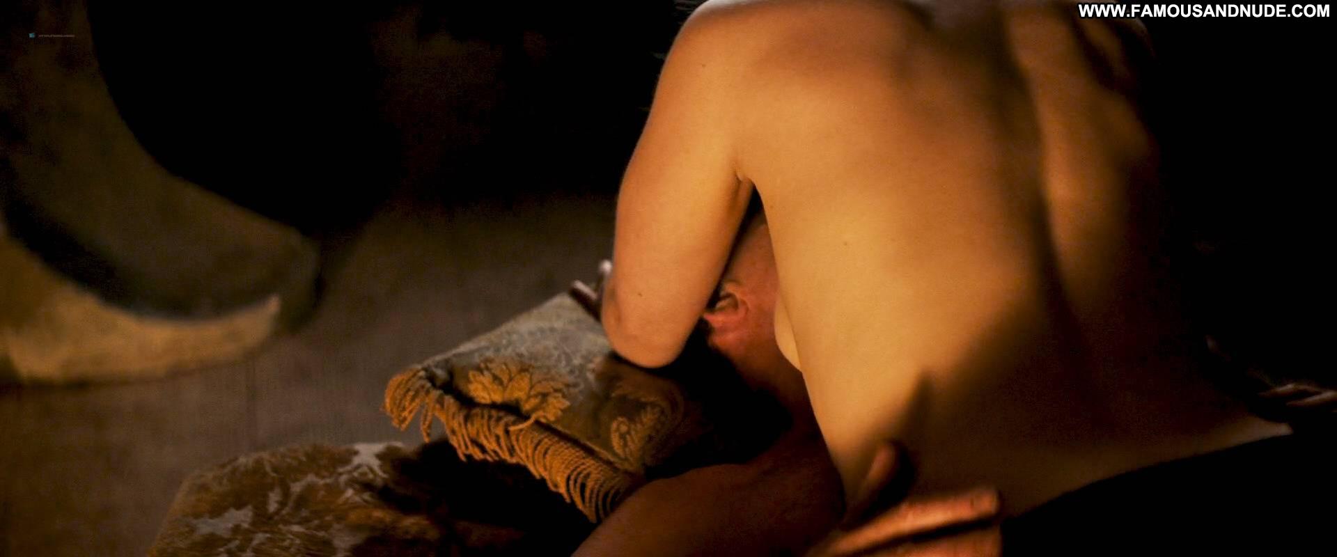 Emilia Clarke Sex Stories