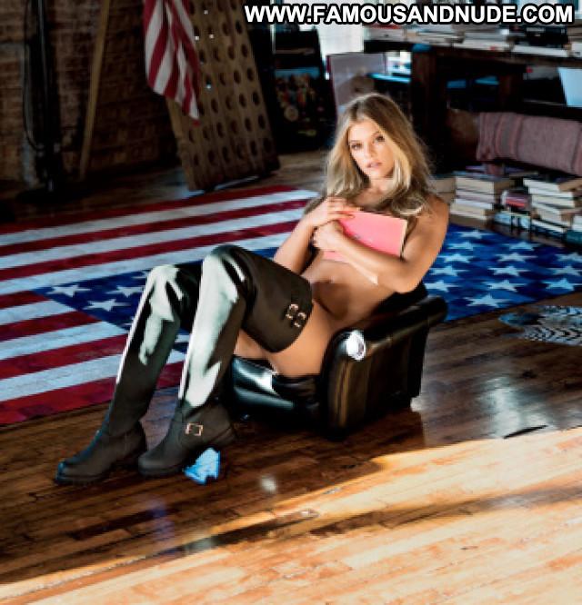 Ebonee Davis     Georgia Gibbs Taylor Ballantyne Photo Shoot Posing