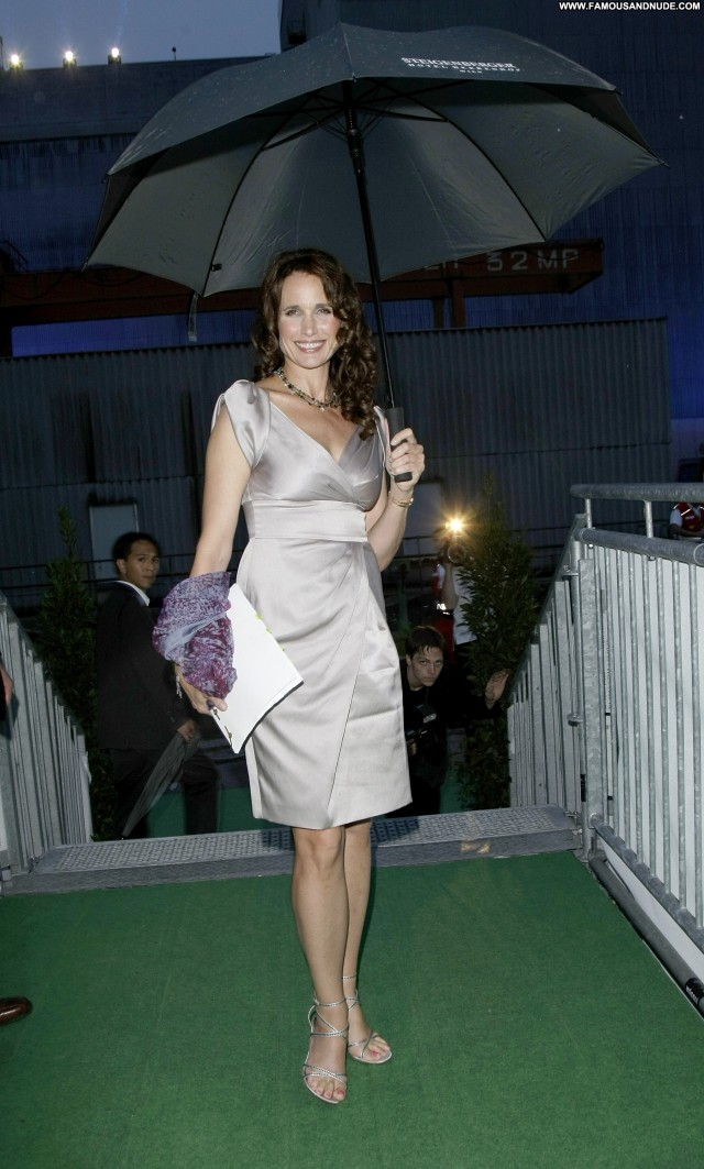 Andie Macdowell No Source Austria Posing Hot Celebrity Babe Beautiful