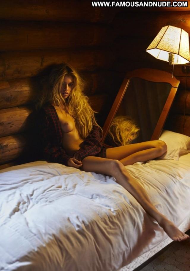 Stella Maxwell No Source Celebrity Posing Hot Babe Beautiful Sexy