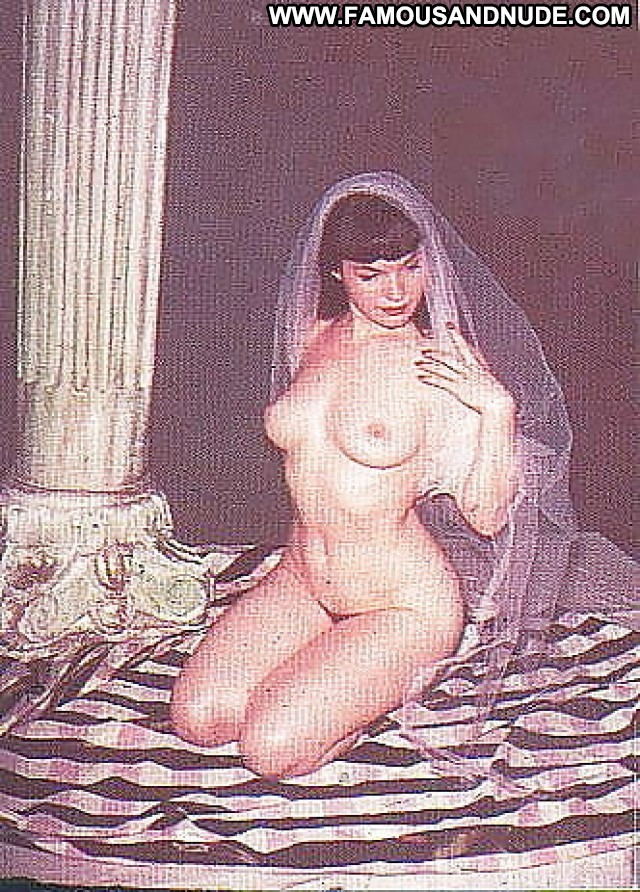 Bettie Page No Source Beautiful Celebrity Posing Hot Babe
